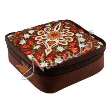 Śniadaniówka podhalańska parzenica w kwiatach